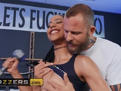 Brazzers - Kira Noir Scott Nails - Push It To The Limit