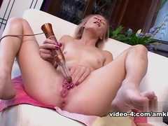 Maddy Rose in Toys Movie - AmKingdom