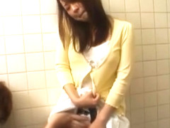 Buruma gives blowjob at the toilet