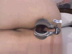 delicious mexican bbw with speculum in her ass