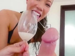 Sloppy blowjob - Kalina Ryu knows how to suck