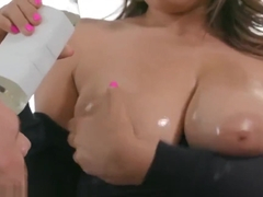Reality Kings - Ella Knox Big Naturals tits worshiped