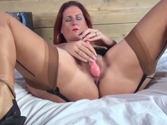 Freckled Mom masturbation