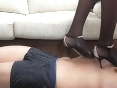 Asian trample with beautiful pumps