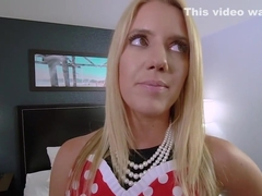 Blonde cougar Candice Dare gets a hot creampie