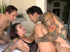 Tattooed guys went to Ivy Lebelles place to fuck her brains out at the same time