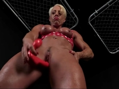 Blonde Bodybuilder Big Clit Dildo Play