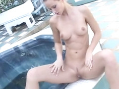 Alluring Babe With A Sexy Ass Susana Spears Masturbates In Tub