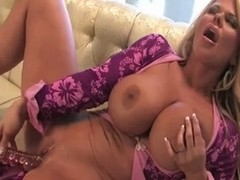 DELIGHTFUL  mother I'd like to fuck MASTURBATE : SOPHIA ROSSI