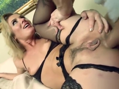 Stunning blond Sheena Shaw weared in beautiful stockings