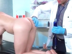 Hot Slut Patient (Diamond Foxxx) Seduce And Hard Bang With Doctor mov-10