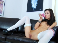 Marya loves to toy her horny twat
