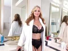Super MILF Julia ann and SD