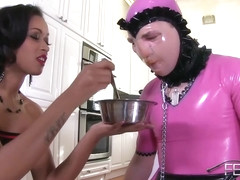 Skin Diamond - D0ggy-chow Sissy Humiliation