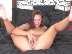 Olivia Wilder masturbates before sucking
