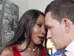 Big Tits Ebony Boss Fucks Young Thick Cock Diamond Jackson