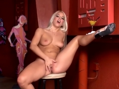 Katrin Wolf makes her neat pussy cum