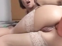 Extrem Anal Plug In Her Beautiful Ass