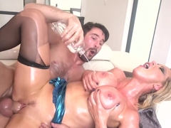 Nikki Benz is oiled up with Manuel Ferrara