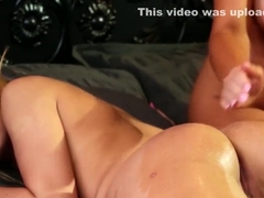 Lubed blonde babes in muff diving action