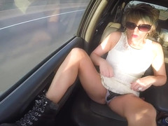 FLASHING TRUCK MILF HEART SHAPED BUBBLE BUTT PUBLIC