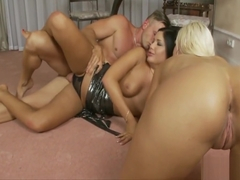 Loads of semen for Angelica Heart and Larine Laroche