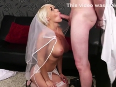 Hot doll gets cum load on her face swallowing all the spunk