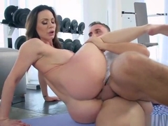 Foxy Babe Kendra Lust Gets Her Anus Destroyed