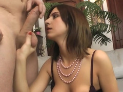 Jenny Love uses her mouth to suck dick