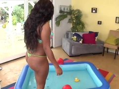 Black slut Jayden Starr teases with her massive ass