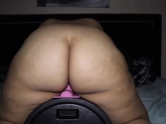 Thick Latina milf has multiple orgasms on motorbunny