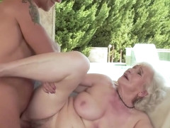Mature Diva Wants Vacation Fuck