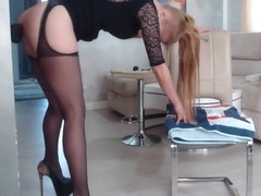 Jessica Darlin In Gorgeous Milf In High Heels Uses A Big Black Dildo