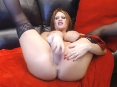Squirting hottie Jade gaping and fisting hungry vagina