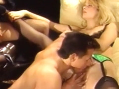 Vintage - Peter North Fucks Lynn Lemay w. Friend stroking her Pussy