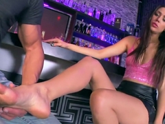 Anastasia Morna knows how to please with her sexy feet