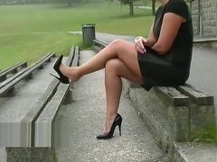 Stiletto babe Karen with shoe fetish teasing in pointed black high heels