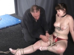 Amateur bondage and homemade suspension of dominated submiss