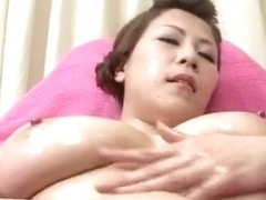 Yuki Aida enjoys pussy stimulation on cam