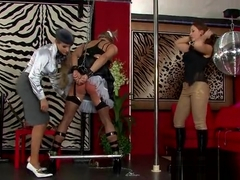 Pungent gina killmer cums from huge rod