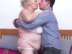 This Big Mama Loves To Fuck And Suck Her Toy Boy - MatureNL