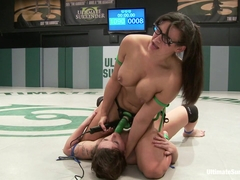 Penny ' The Tarrasque' Barber Vs Tina 'professor Booty' Horne  - Publicdisgrace