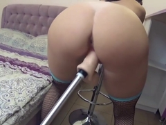 Nympho amateur likes sex with fuck machine