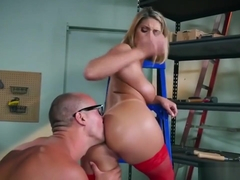 Nerd Lucky Fucks The Daughter Of His Boss In The Cellar