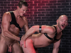 Mike Tanner & Pierce Paris in Fistin Alley - ClubInfernoDungeon