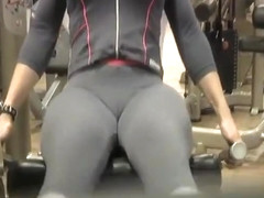 Great cameltoe spied in a gym