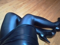 [compilation] Sexy milf shiny pantyhose leg tease PART1