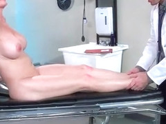 Hard Sex Between Doctor And Hot Patient (Diamond Foxxx) video-30