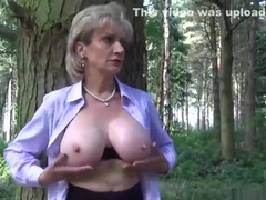 Cheating uk mature lady sonia reveals her massive tits