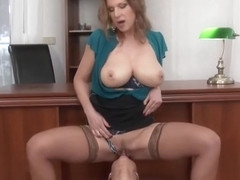 Mellow buxomy Carol Goldnerova is makeing dude cum